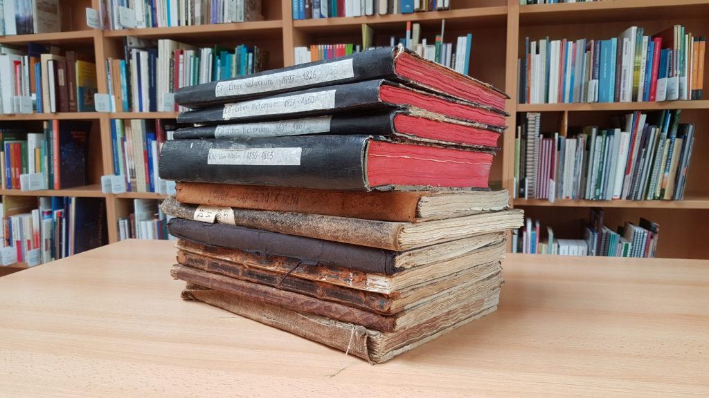 Księgi parafialne przygotowane do digitalizacji
